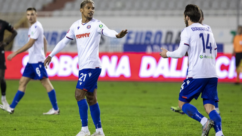 Hajduk i sterilni napadači